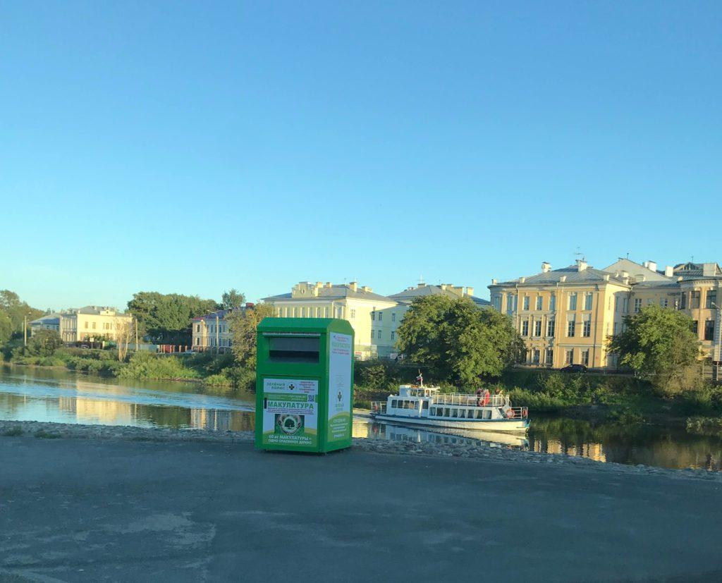 gallery_1_50-novyh-kontejnerov-dlja-sbora-makulatury-ustanovil-v-vologde-zeljonyj-poljus-3